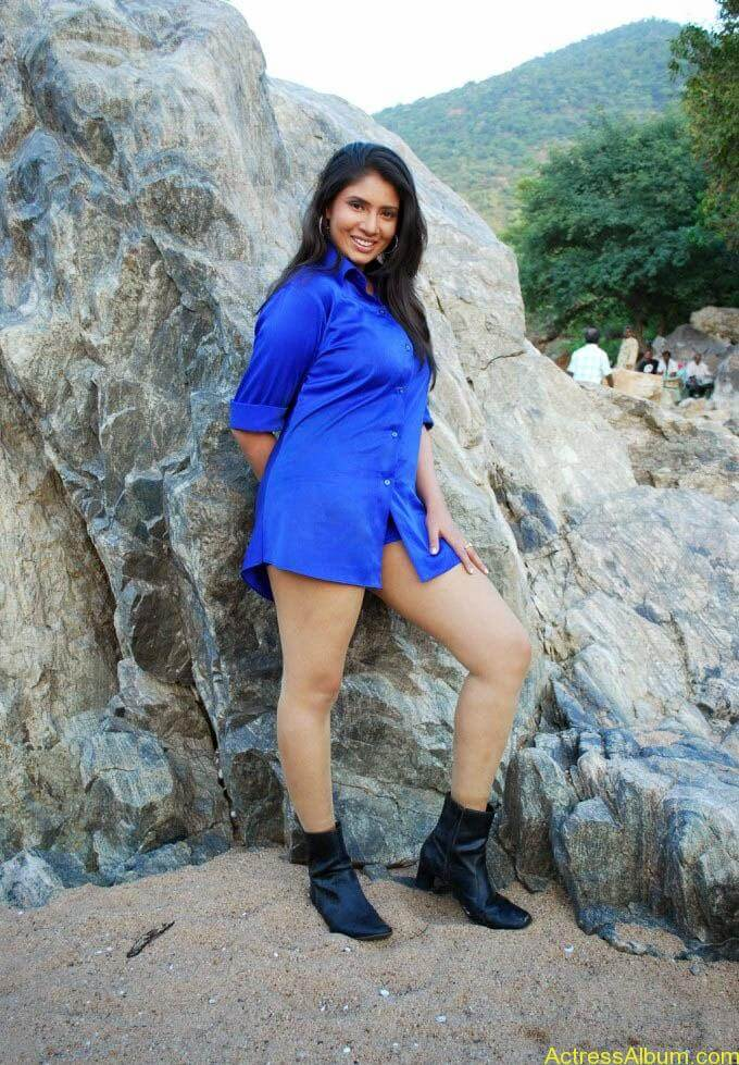 Sangavi Hot Thunder Thigh Show (10)