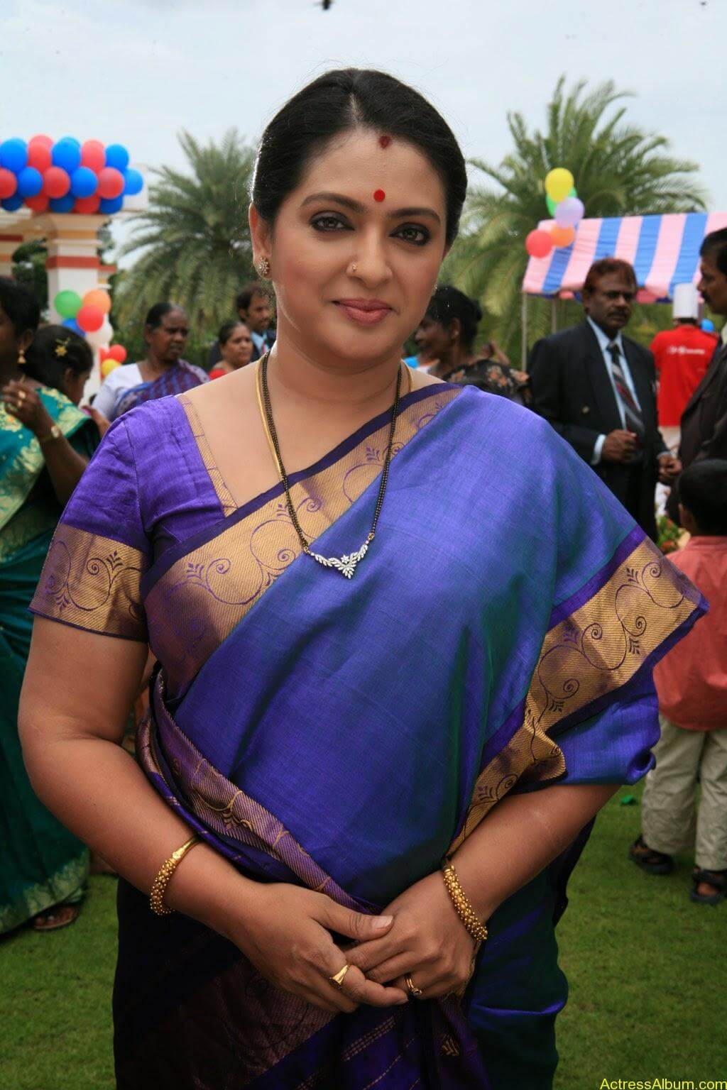Seetha Aunty Hot Pics In Saree - Actress Album