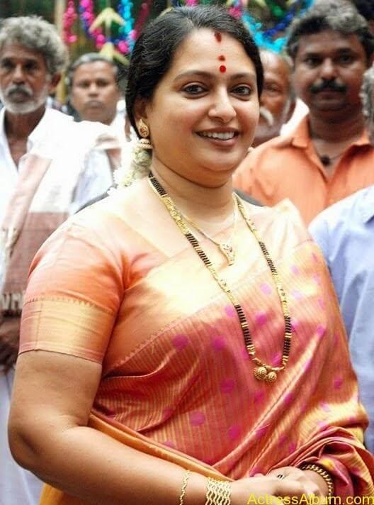 Seetha Aunty Hot Pics