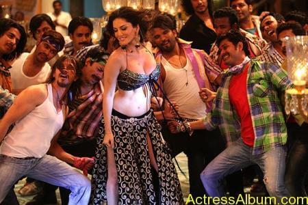 Sexy Sunny Leone Latest Hot Photos From Shootout At Wadala (6)
