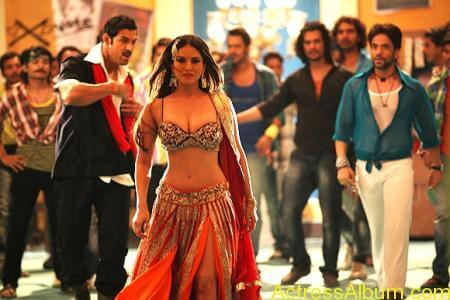Sexy Sunny Leone Latest Hot Photos From Shootout At Wadala (8)