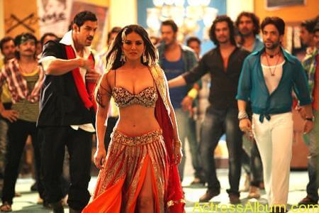 Sexy Sunny Leone Latest Hot Photos From Shootout At Wadala (8)