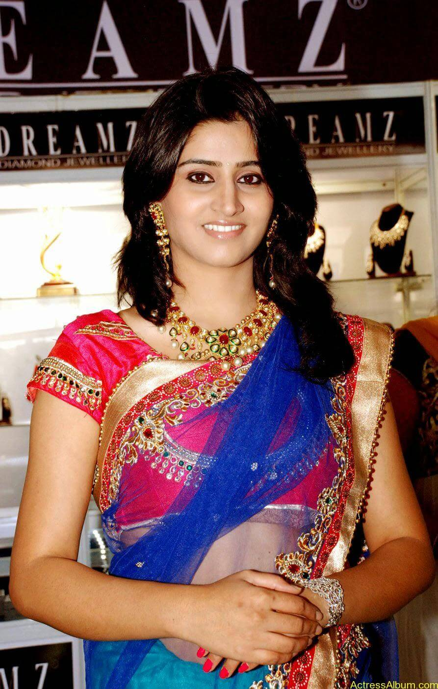 Shamli in saree at jewelry shop opening 1