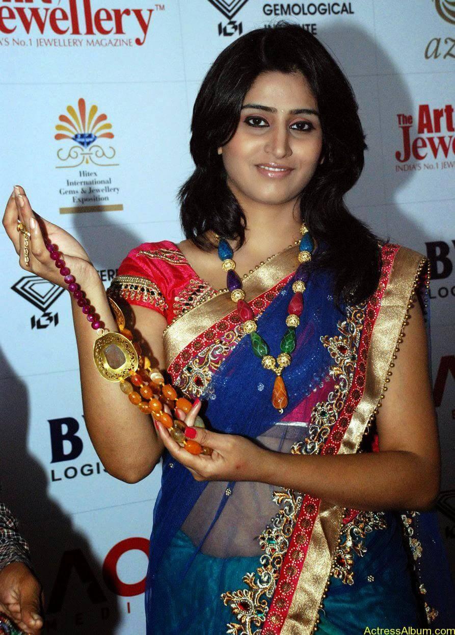Shamli in saree at jewelry shop opening 2