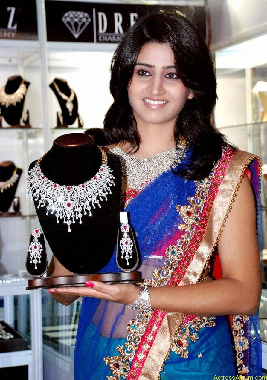 Shamli in saree at jewelry shop opening 3