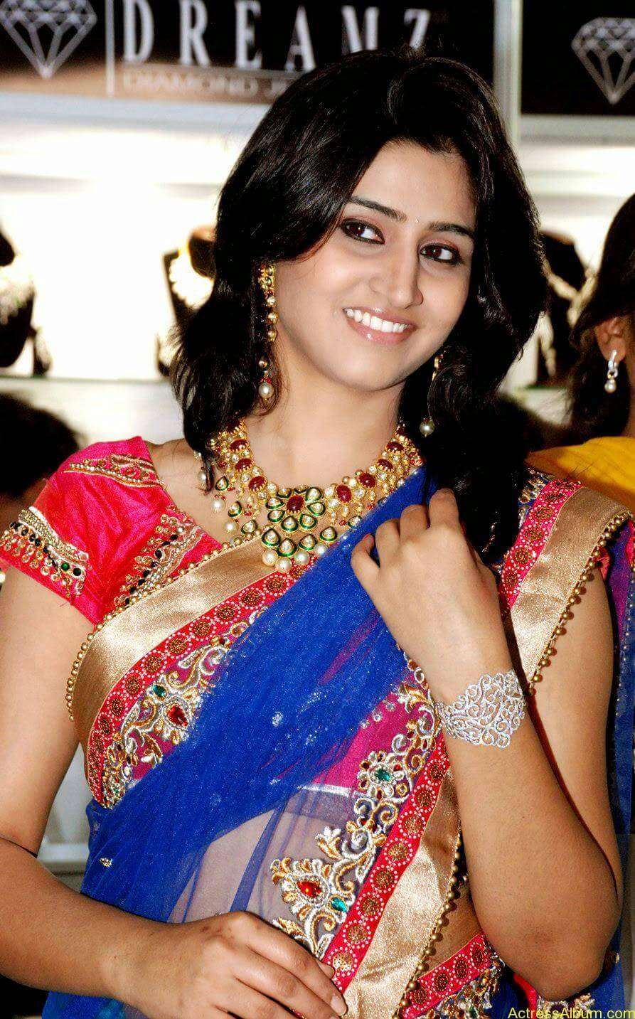 Shamli in saree at jewelry shop opening 4