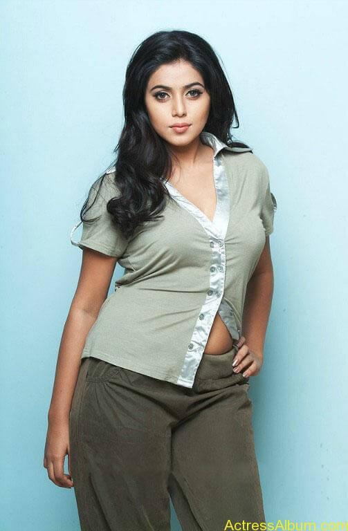 Shamna Kasim - Poorna Hot Stills (2)