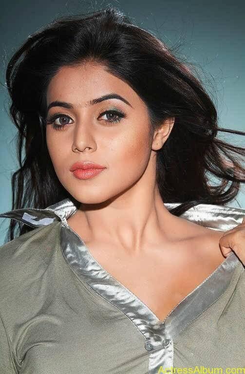 Shamna Kasim - Poorna Hot Stills (5)