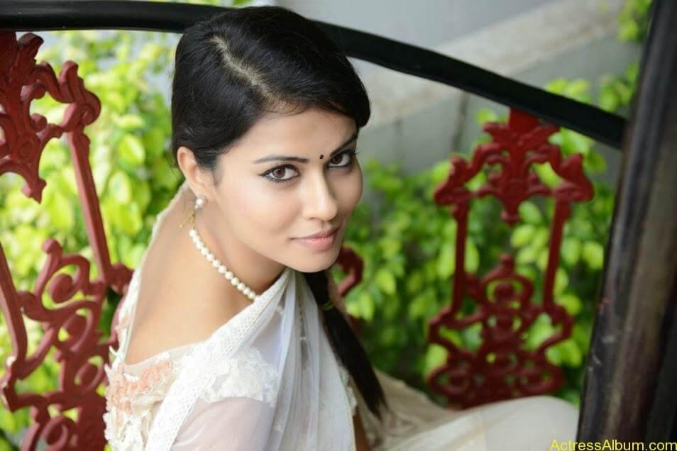 Sharmiela Mandre11
