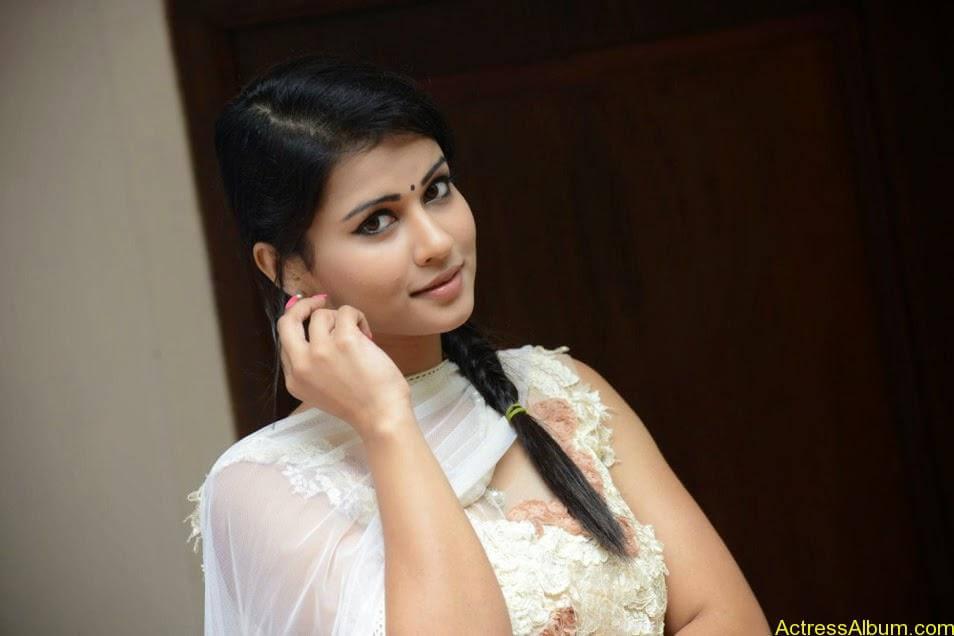 Sharmiela Mandre12