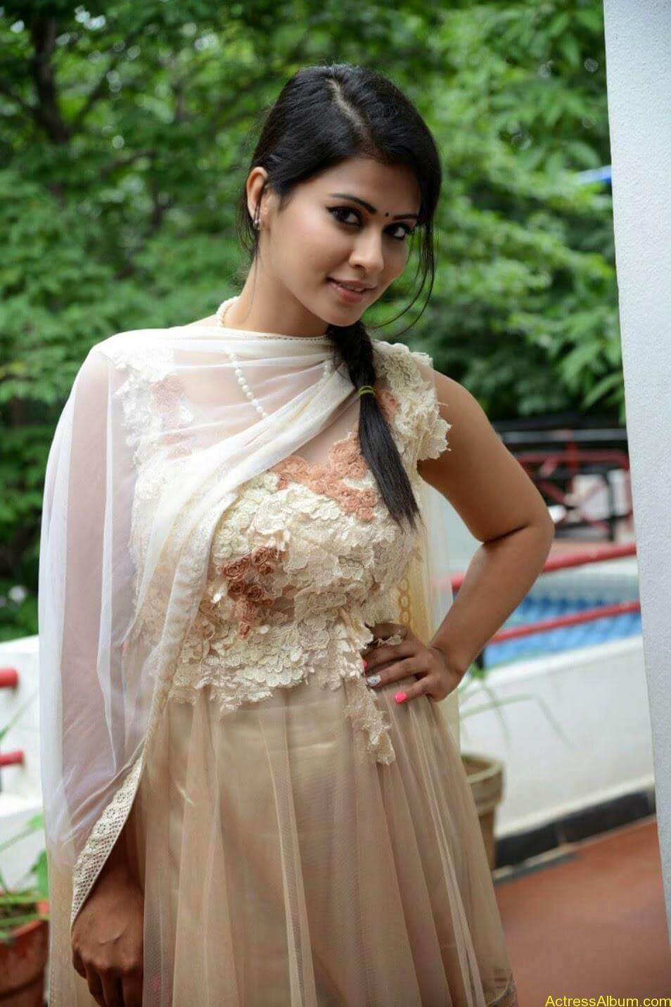 Sharmiela Mandre3