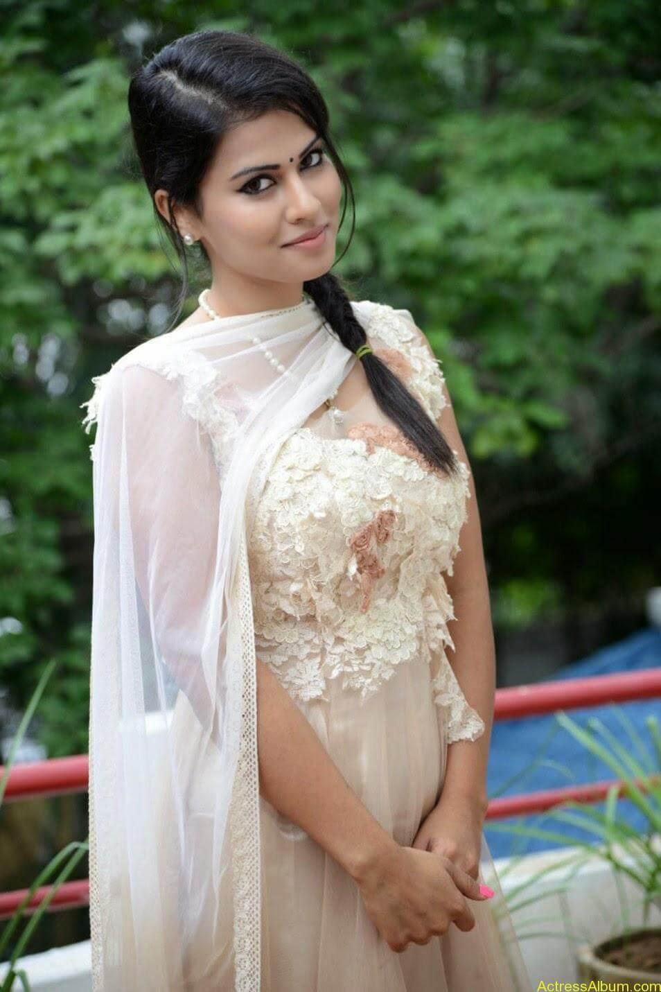 Sharmiela Mandre5