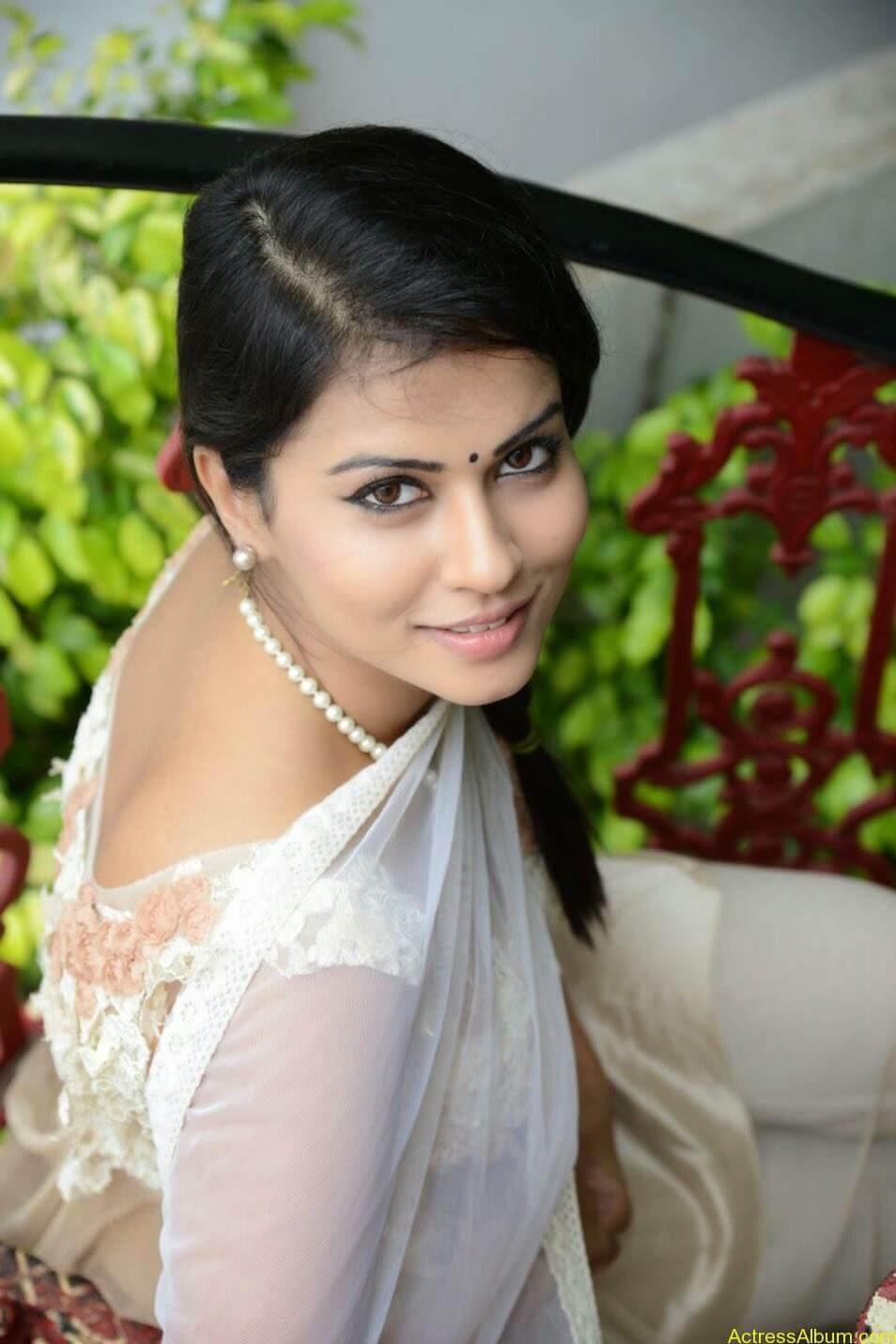 Sharmiela Mandre6