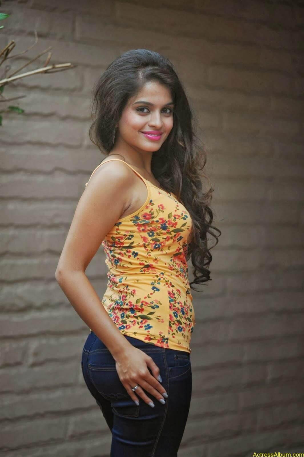 Sheena_Shahabdi_Actress  (3)