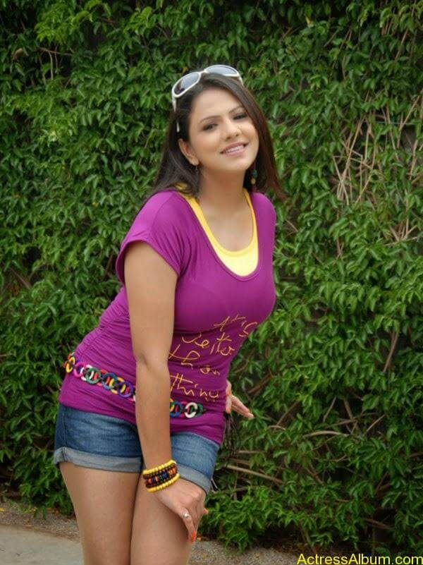 Shivani Tamil_03