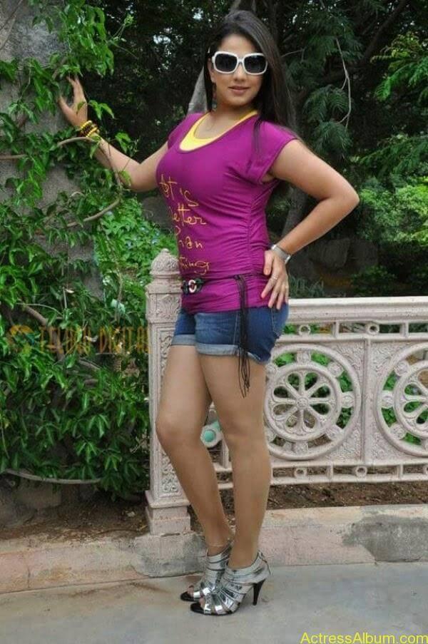 Shivani Tamil_05