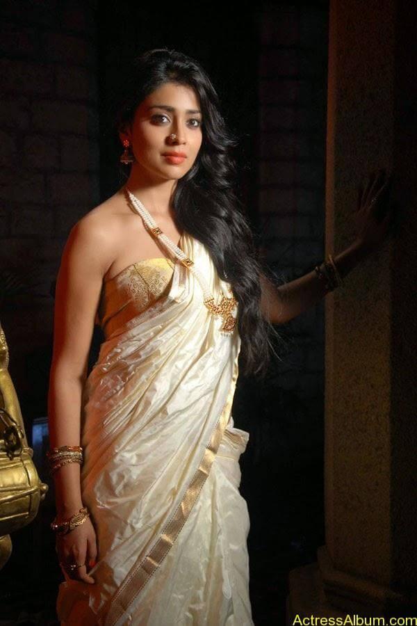 Shriya Saran_05