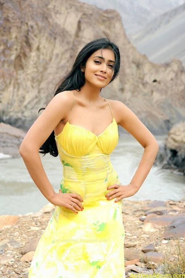 Shriya Saran_06