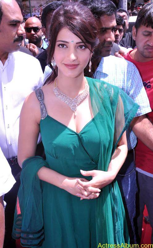 Shruti_ Hassan_ Hot_ Gallery_ At_ Malabar_ Gold _Opening
