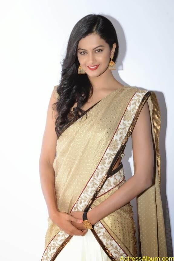 Shubhra-ayyappa-Actress   (2)
