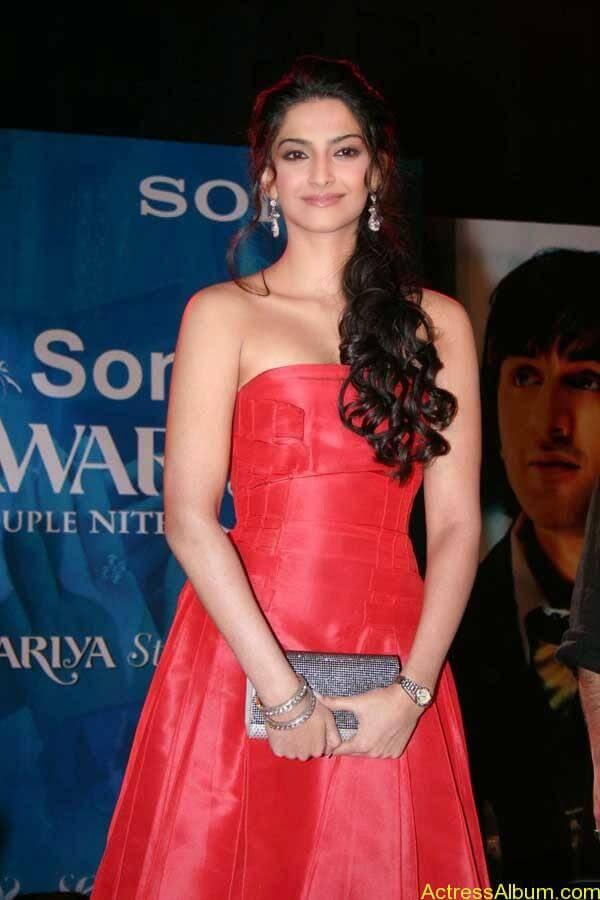 Sonam Kapoor_02
