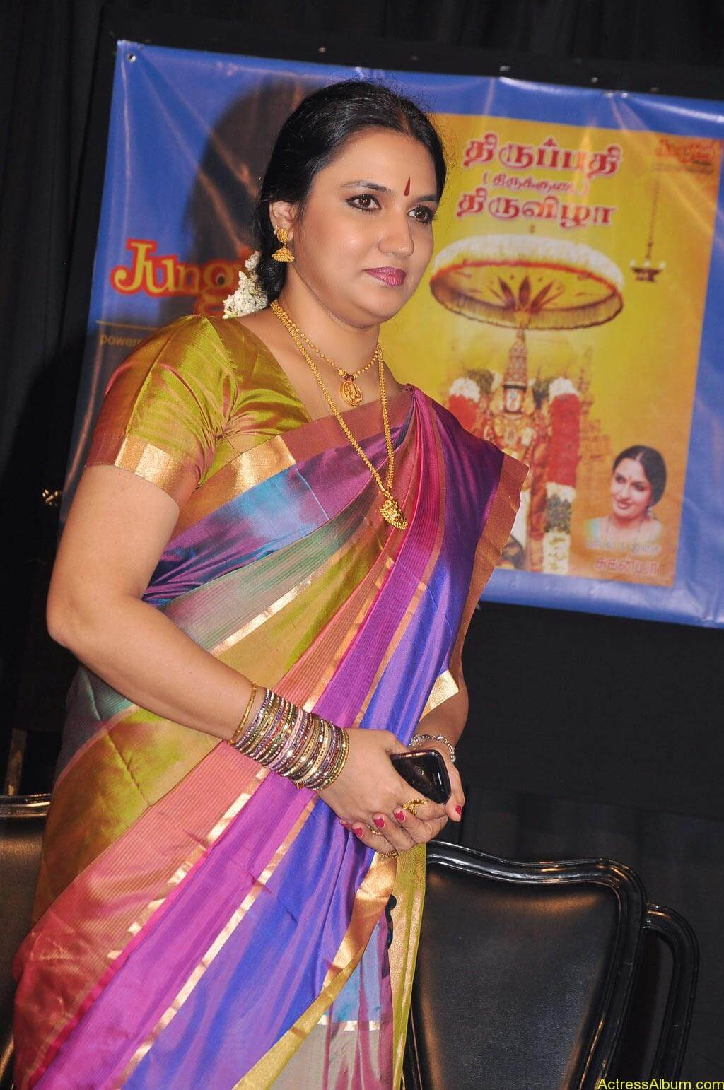 Sukanya Cute Saree Pics (1)