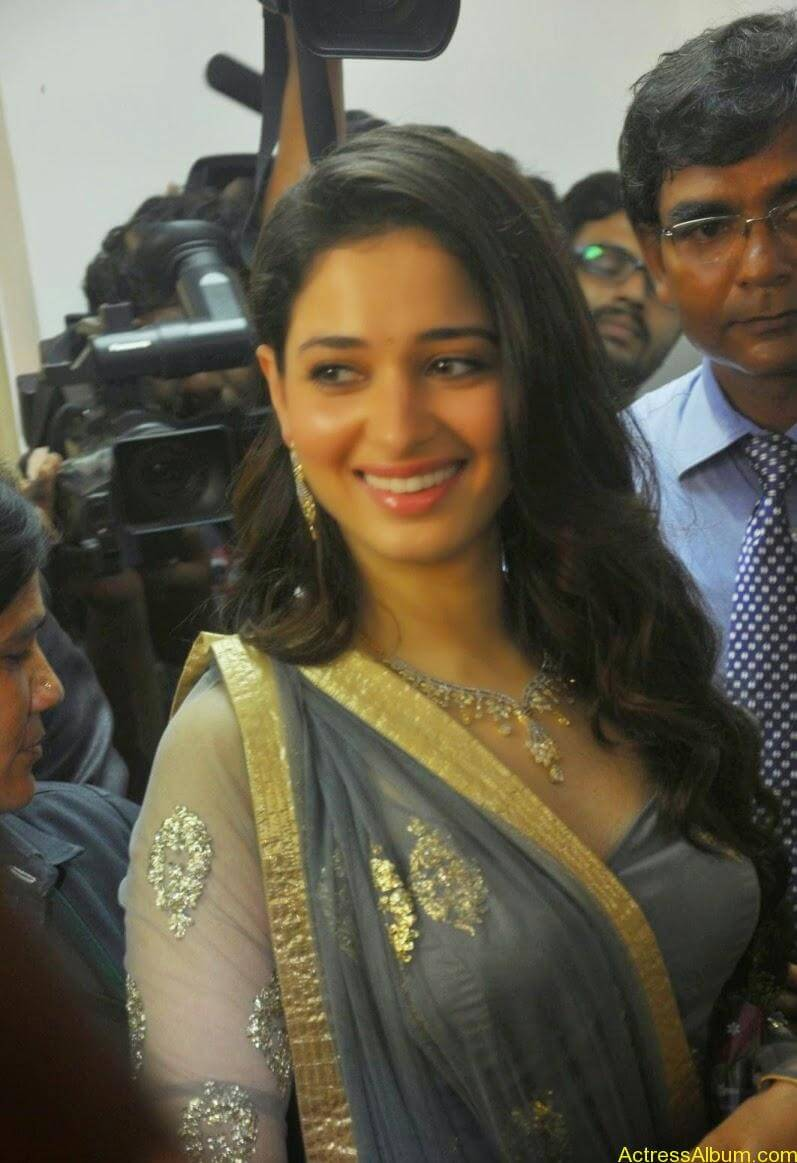 Tamanna At VCare Internation Launch (14)