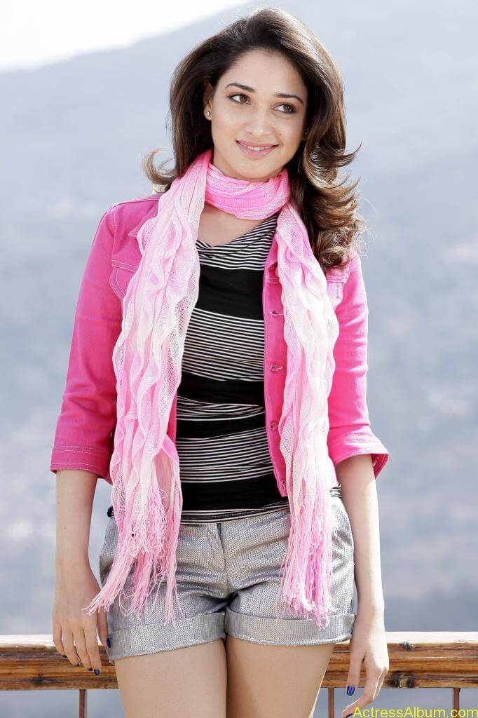 Tamanna Hot Images In Skirt