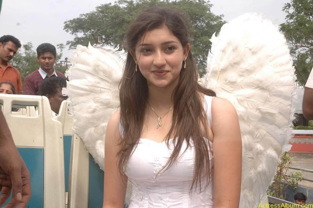 Tanvi Vyas Gorgeous (12)