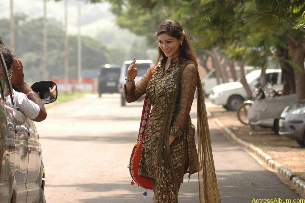 Tanvi Vyas Gorgeous (5)