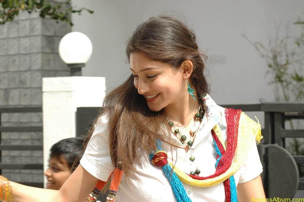 Tanvi Vyas Gorgeous (6)