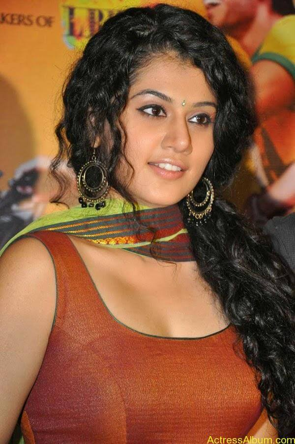 Tapsee_07
