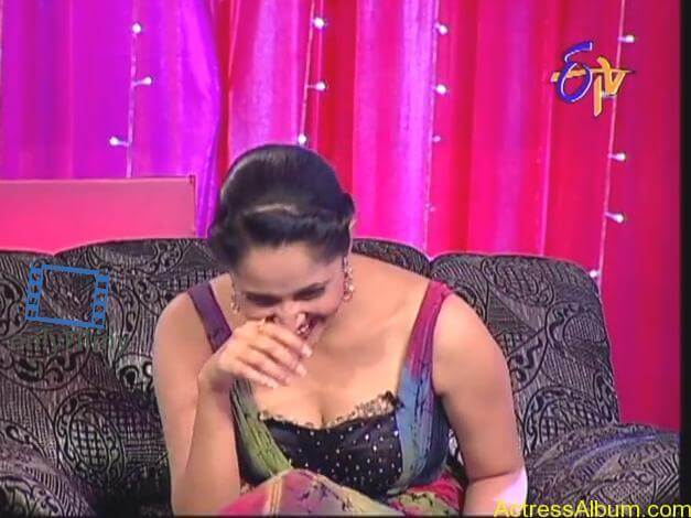 tv-anchor-anasuya-hot-boobs-show-photos-4