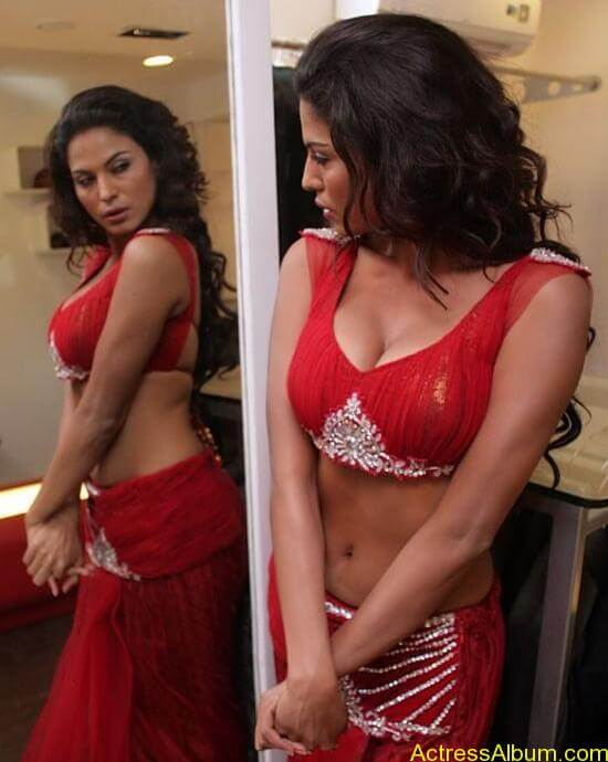Veena Malik Hot Stills (4)