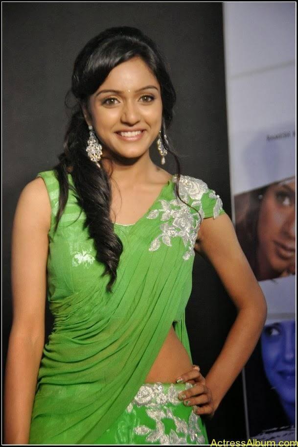 vithika sheru Hot stills 1