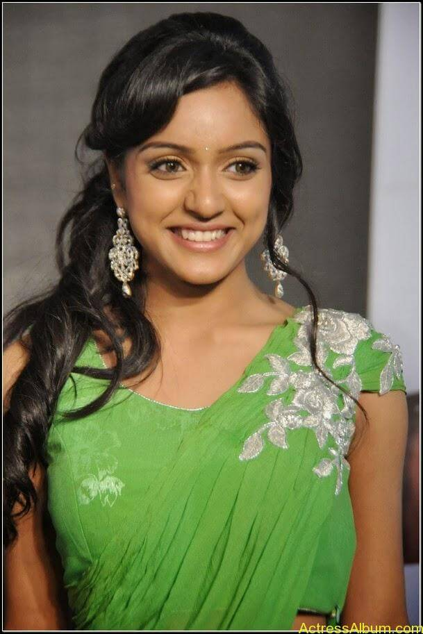 vithika sheru Hot stills 9