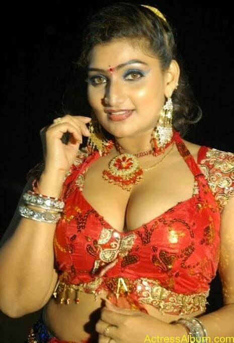 Actress Babilona Hot Cleavage Photos Gallery 1