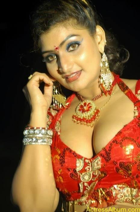 Actress Babilona Hot Cleavage Photos Gallery 2