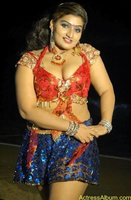 Actress Babilona Hot Cleavage Photos Gallery 4