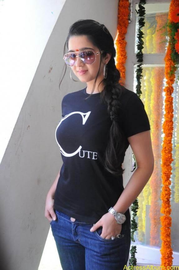 actress charmi latest hot stills (1)