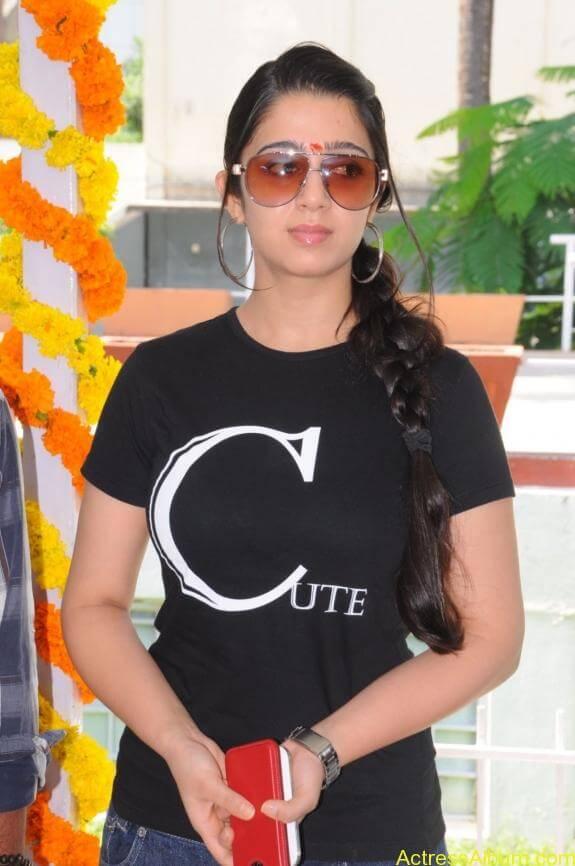 actress charmi latest hot stills (9)