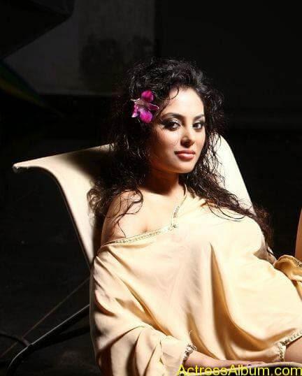 Actress Meenakshi latest stills (11)
