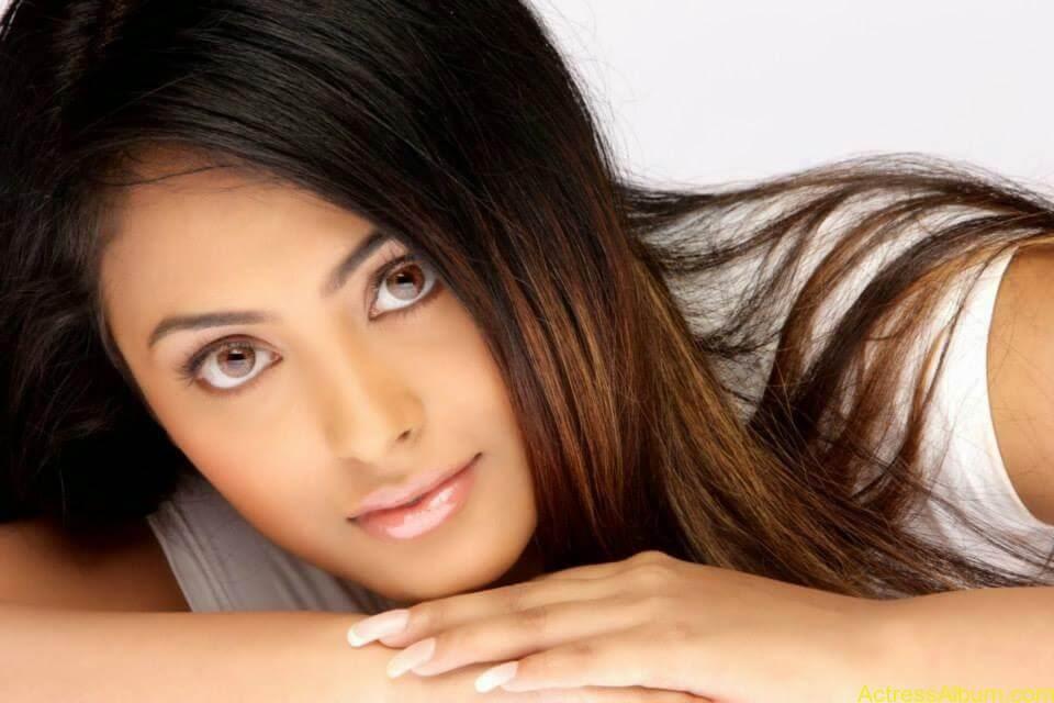 Actress Meenakshi latest stills (9)