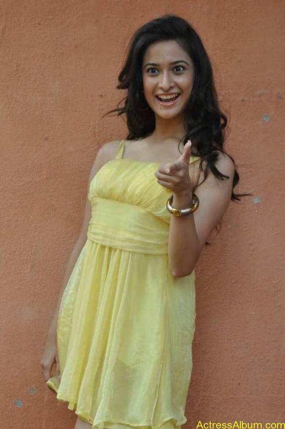 actress mrudhula hot photos (2)
