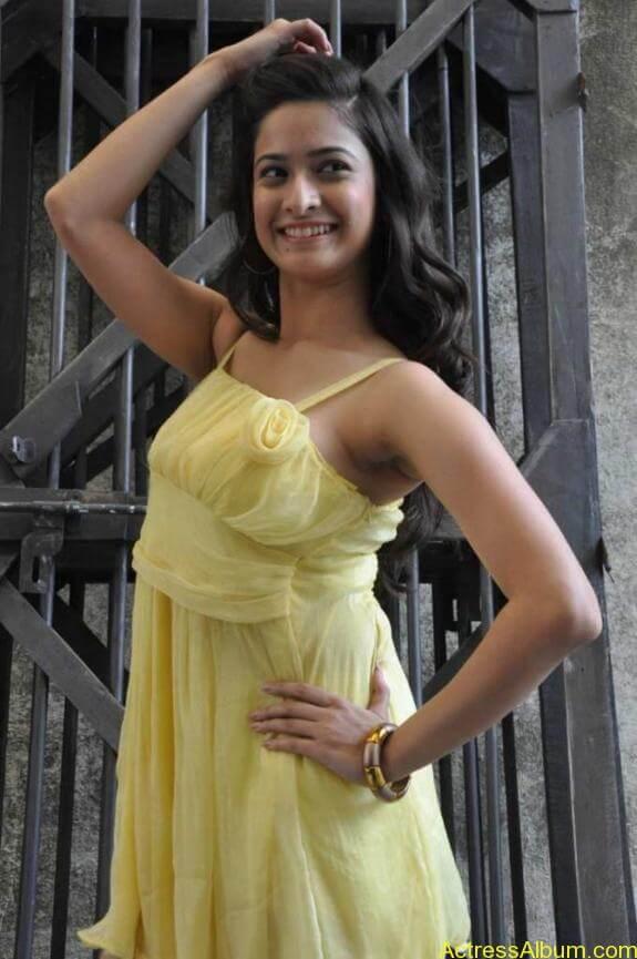 actress mrudhula hot photos (6)