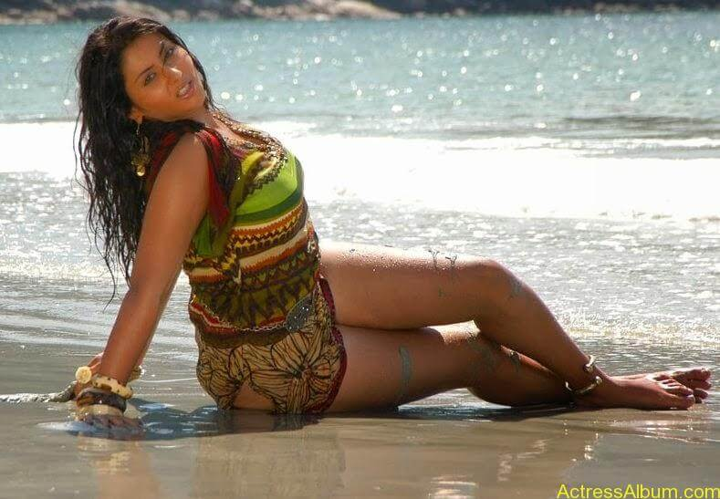 Actress Namitha Hot Thighs Show Pictures Gallery 3