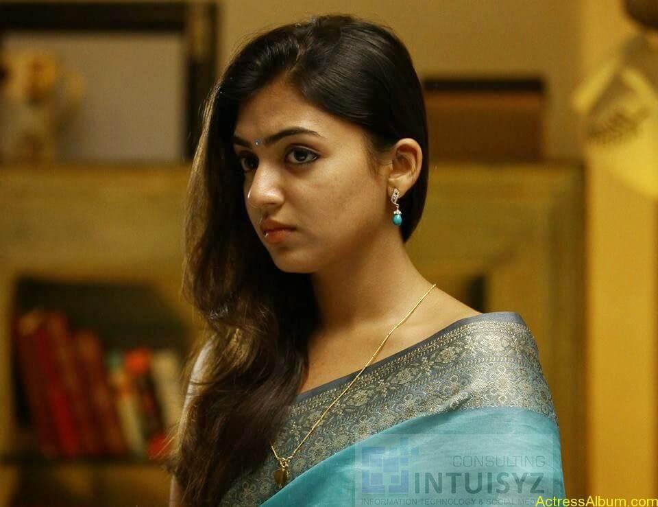 Actress Nazriya Nazim hot 12