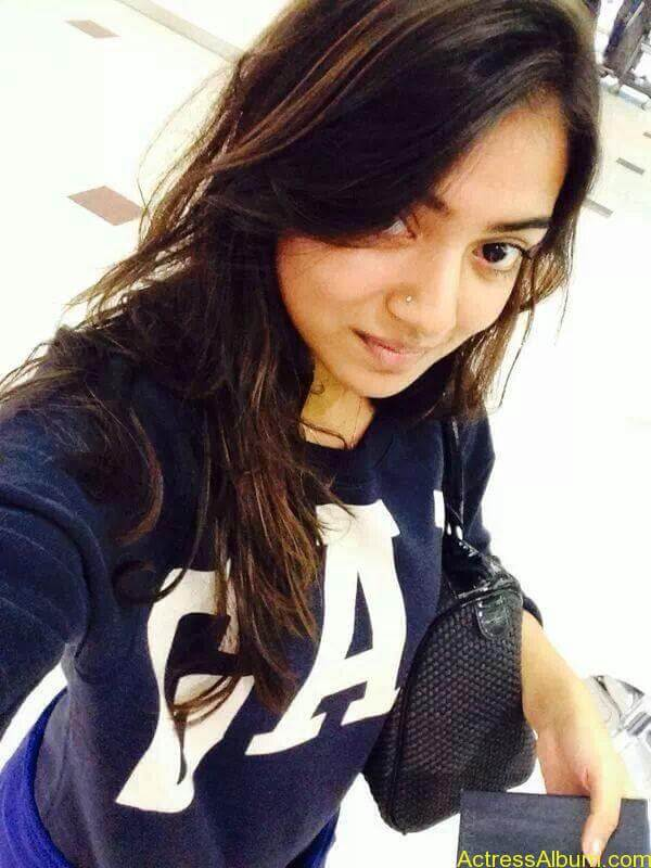 Actress Nazriya Nazim hot 13