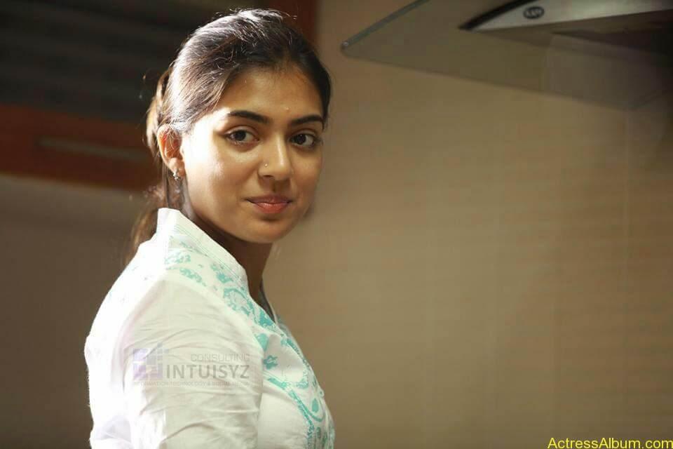Actress Nazriya Nazim hot 7