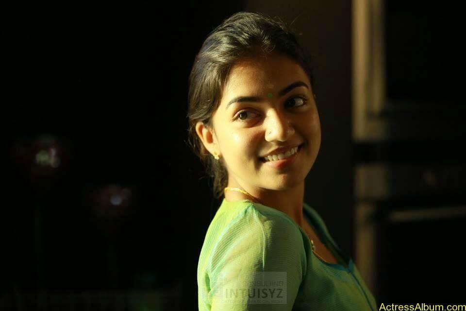 Actress Nazriya Nazim hot 8